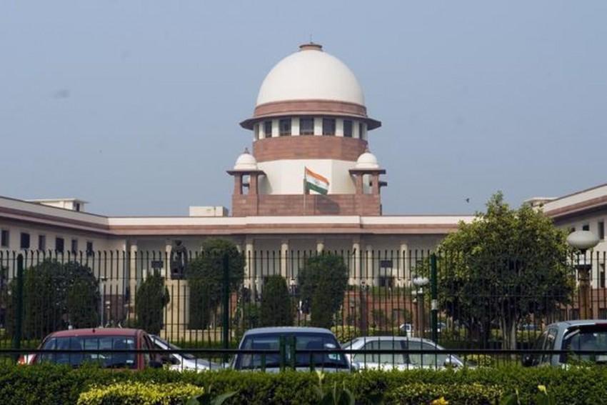 Saradha Chit Fund Case: SC Asks CBI To Furnish Credible Evidence For Seeking Custodial Interrogation Of Ex-Kolkata CP