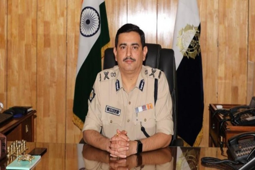 Election Commission Replaces Kolkata Police Commissioner Anuj Sharma, 3 Other Bengal Top Cops