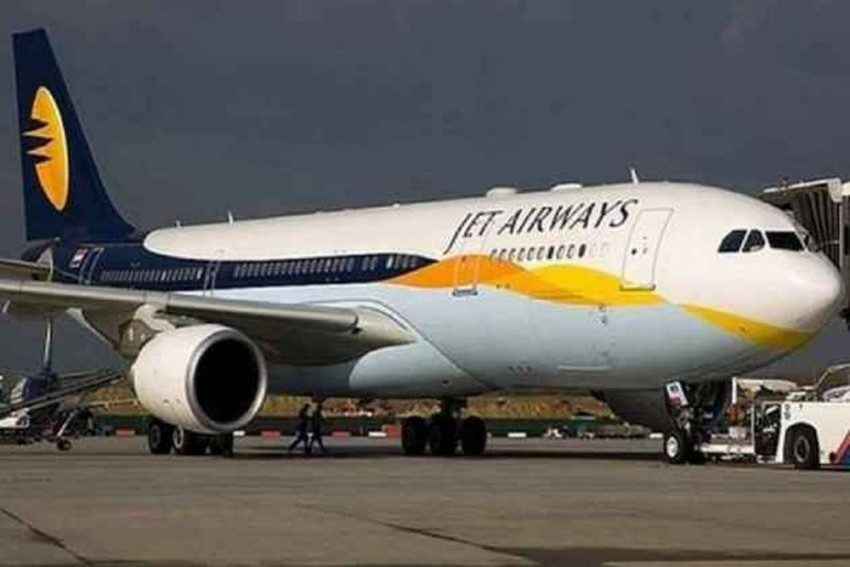SBI Seeks Bids For Stake Sale In Cash-Strapped Jet Airways