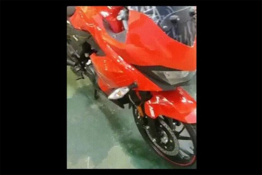 Hero's Next Fully Faired 200cc Bike Spied