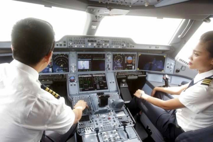 Shocking: Some Pilots Report For Duty So Drunk They Can't Fly Airplane, Reveals RTI