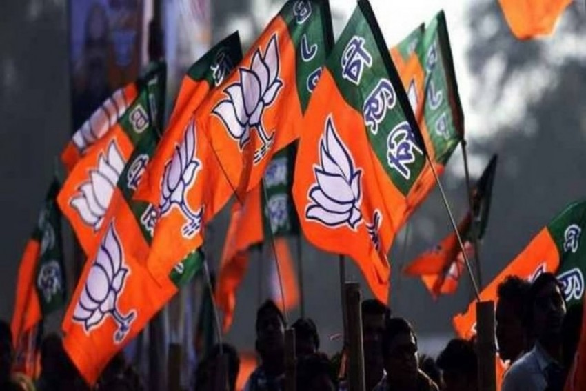 BJP Initiates 'Knock The Door' Campaign In Varanasi