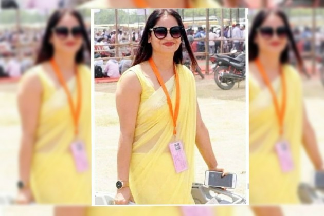 The Poll Officer In 'Yellow Saari' Who Is Now A Social Media Sensation