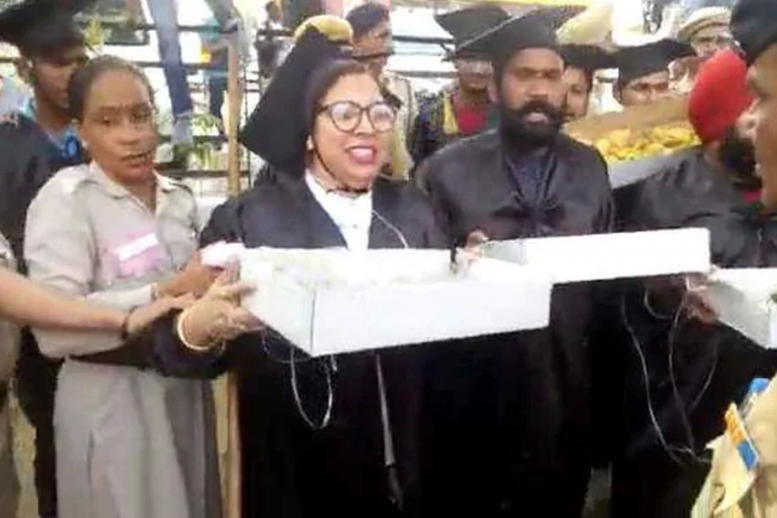 Students In Degree Robes Sell 'Pakodas' Near PM Modi's Rally Venue, Held