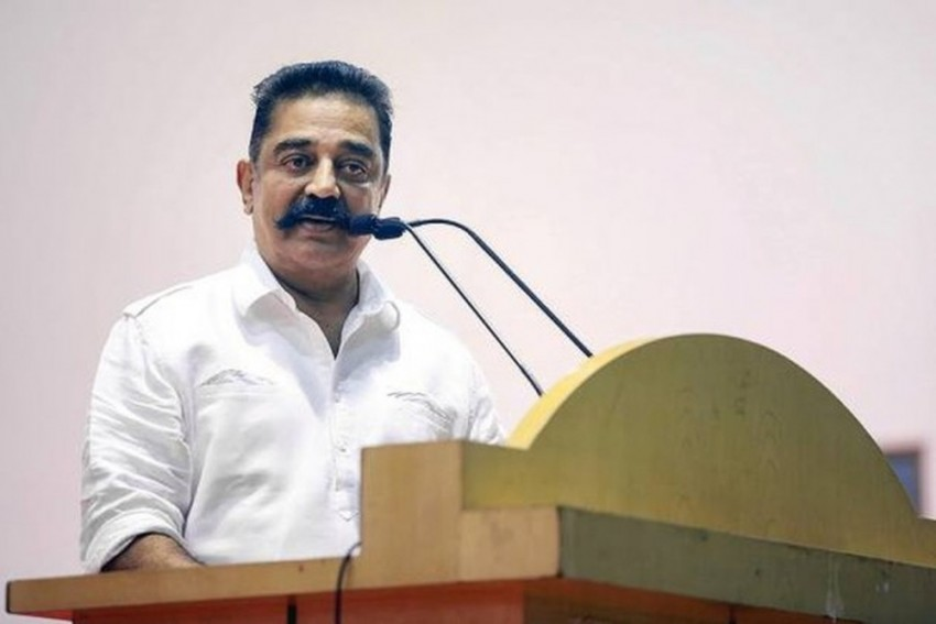 Slipper Hurled At Kamal Haasan Over Godse Controversy