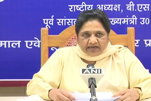 'Acting Under Pressure': Mayawati Attacks Election Commission For Curtailing West Bengal Campaign