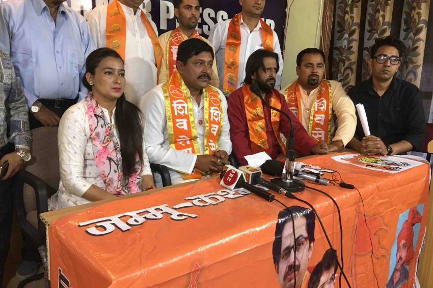 For A Change, Shiv Sena Says They Will Act As Bridge Between Kashmir And Jammu