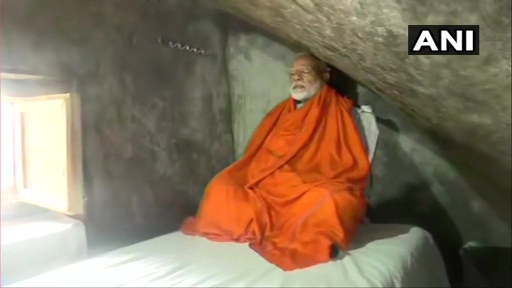 PM Modi Offers Prayers At Kedarnath Temple, Meditates In Cave