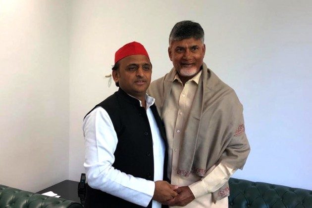 After Rahul Gandhi, TDP Chief Chandrababu Naidu Meets Akhilesh Yadav