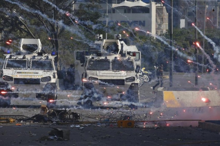 One Dead, At Least 27 Injured In Venezuela May Day Clashes