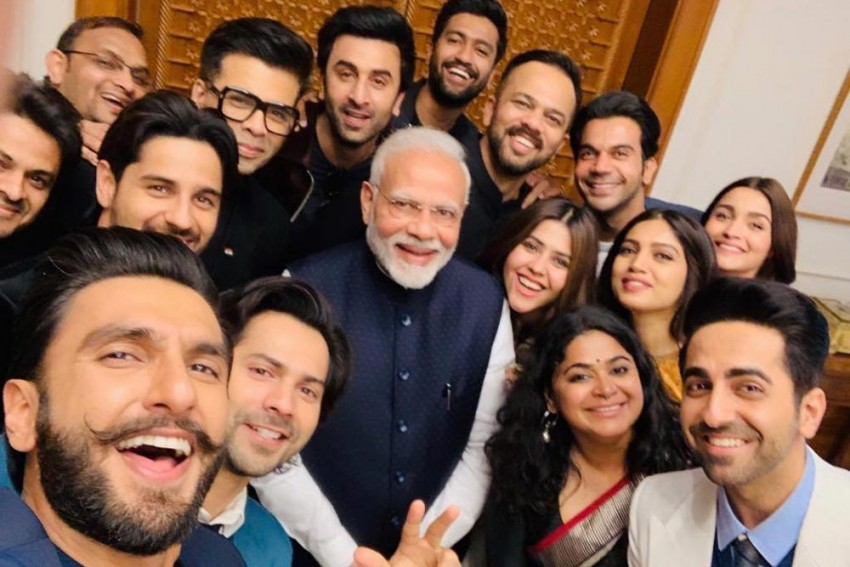 Is Bollywood Fida On PM Narendra Modi? It's Dangal Break In B-Town!