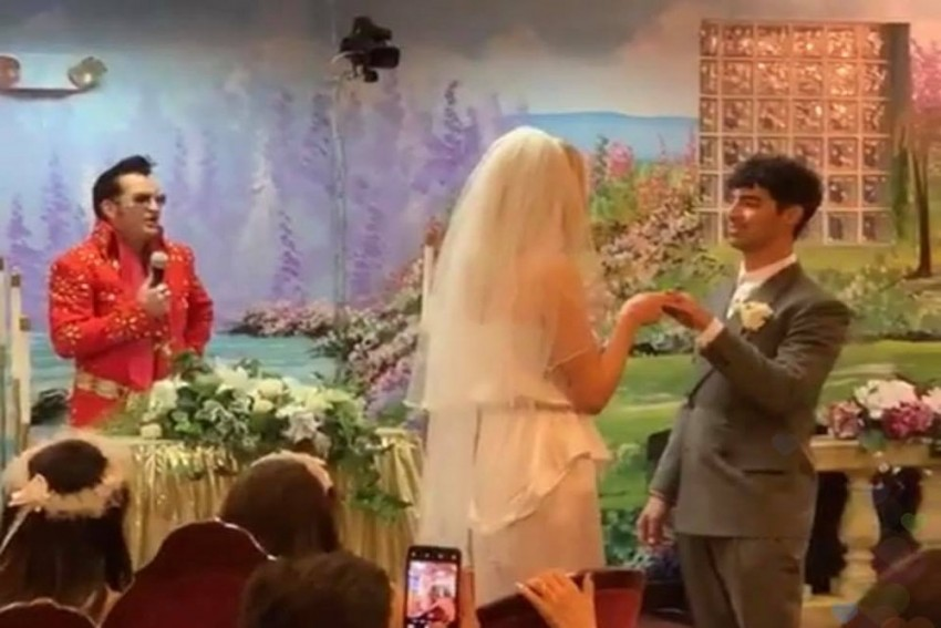 Sophie Turner And Joe Jonas Get Hitched In Surprise Las Vegas Wedding