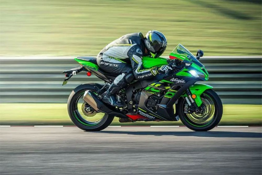 Kawasaki's Latest Ninja Is Faster Than Before...