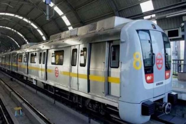 Commuters Stranded After Snag On Delhi Metro's Yellow Line