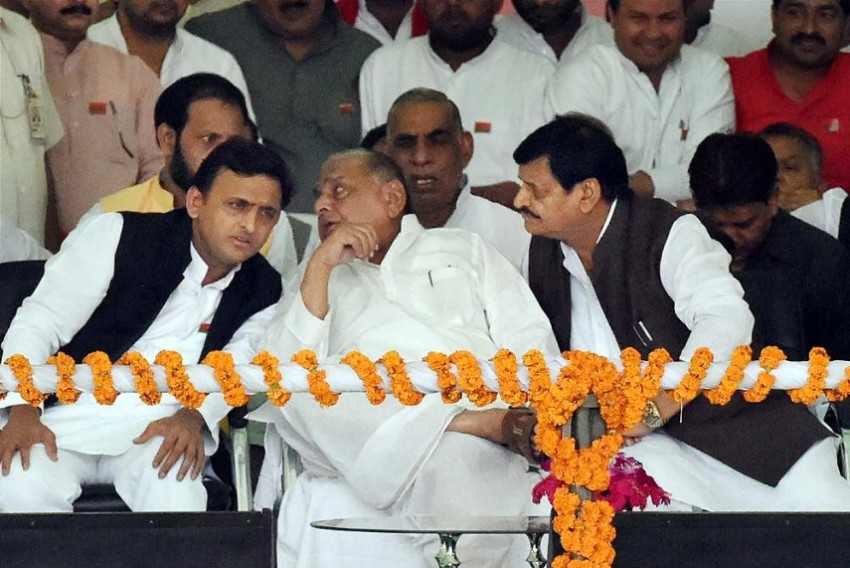 'No Evidence Found': CBI Gives Clean Chit To Mulayam Yadav, Akhilesh In Disproportionate Assets Case