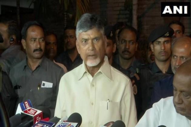 Andhra CM Chandrababu Naidu Meets Deve Gowda, Kumaraswamy For Post-Poll Alliance