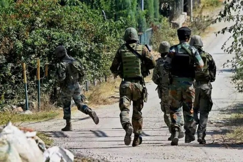 Encounter Breaks Out Between Security Forces And Militants In J&K's Pulwama