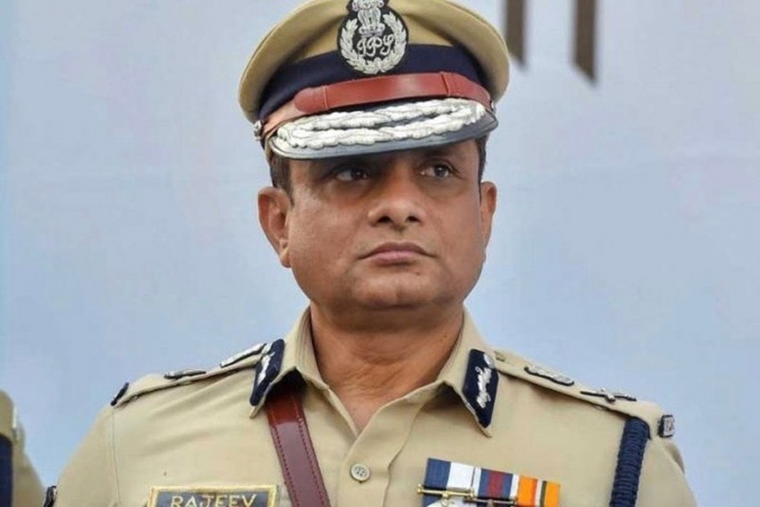 CBI Issues Look Out Notice Against Former Kolkata Police Commissioner Rajeev Kumar