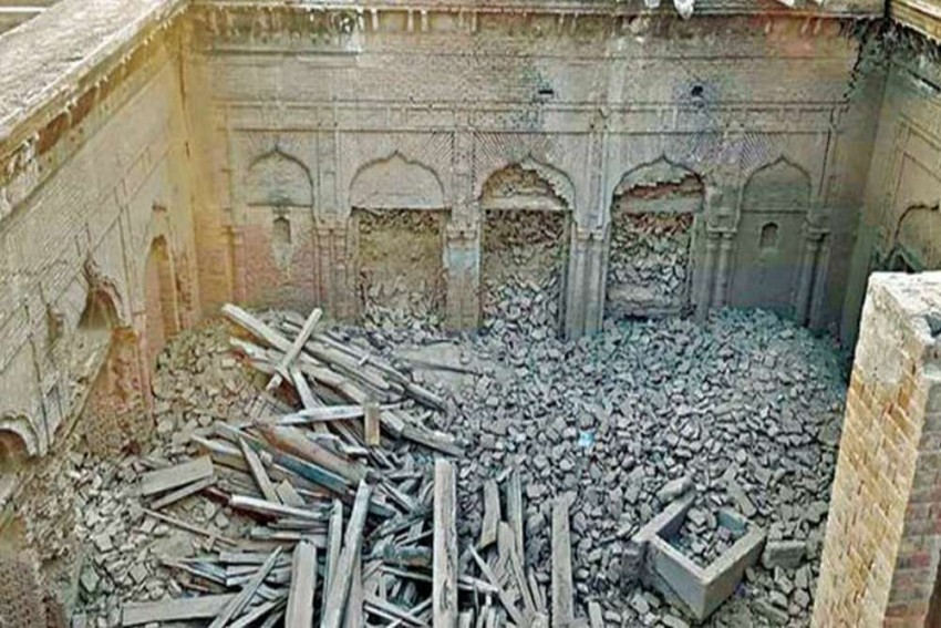 Historical 'Guru Nanak Palace' Partially Demolished In Pakistan By Vandals