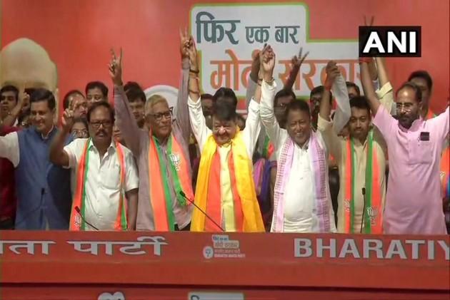 3 Bengal MLAs, Several Councillors Join BJP; Kailash Vijayvargiya Says More To Join In Phases