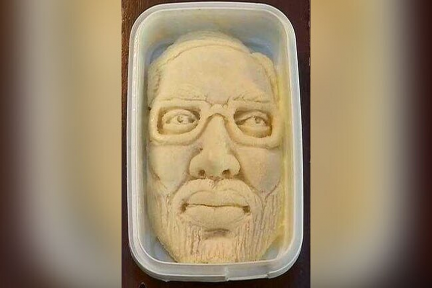 Surat-Based Ice-Cream Parlour Introduces 'Modi Sitafal Kulfi' To Celebrate PM Modi's Victory