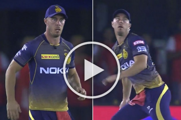 IPL 2019, KXIP Vs KKR: 'Commentator' Chris Lynn Wakes Up Just In Time For Sandeep Warrier's Maiden Wicket – WATCH