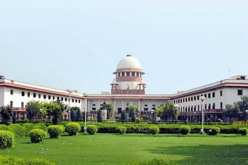 SC Says 10% EWS Quota Can't Be Applied To PG Medical Courses In Maharashtra For 2019-20