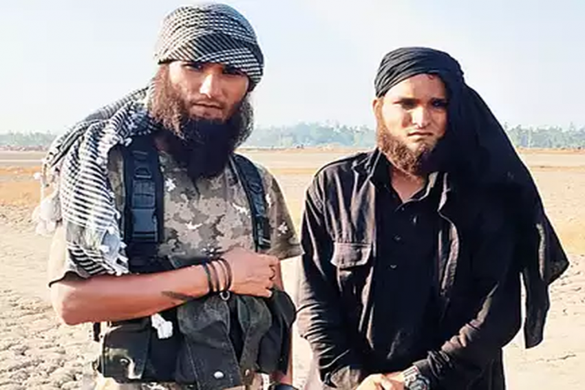 Two Men Booked For Roaming In Mumbai Disguised As Terrorists, Were Extras In Hrithik Roshan Film