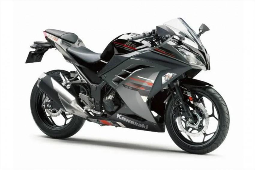 Kawasaki Ninja 300 Receives Two New Paint Options