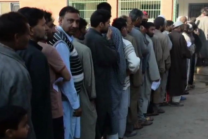 Third Phase Polling In South Kashmir Constituency Ends At Less Than 3 Percent