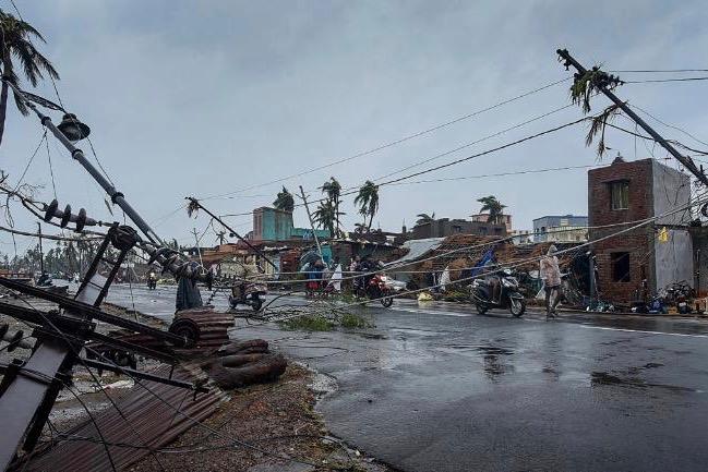 1000 Bucks For 30 Minutes! After Cyclone Fani, Generator Operators Are Making A Killing In Odisha