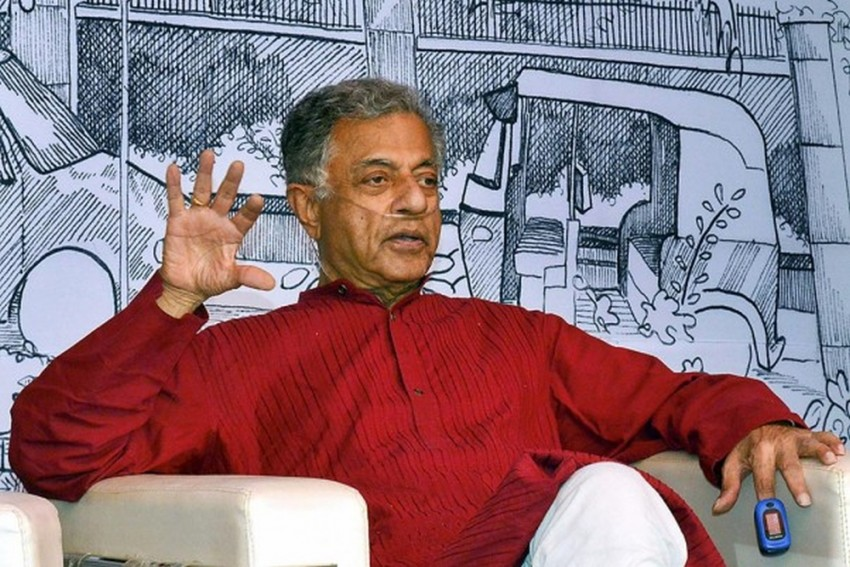 Despite His Criticism Of Tagore's Plays, Girish Karnad Charmed Bengali Artists