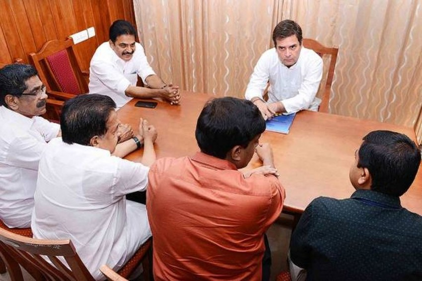 As Cyclone 'Vayu' Is Set To Hit Gujarat On Thursday, Rahul Gandhi Urges Party Workers To Be Ready For Help