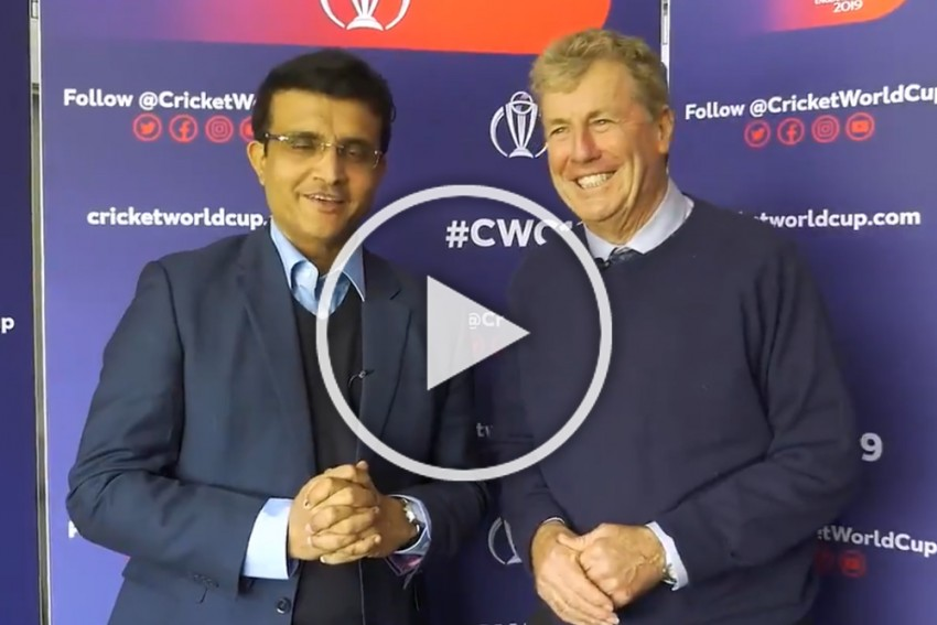 Cricket World Cup 2019: Sourav Ganguly Shares Emotional Moment With Former India Coach John Wright – WATCH