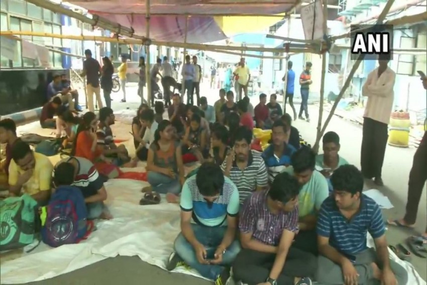 Kolkata HC Refuses To Pass Interim Order On Doctors' Strike
