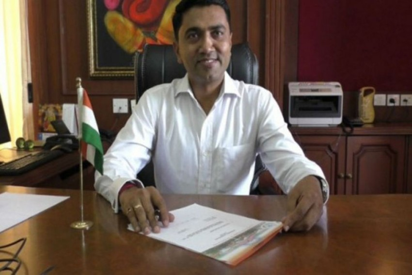 Goa CM Pramod Sawant Offers Free Midnight Meal To Stranded Passengers In Delayed Air India Flight
