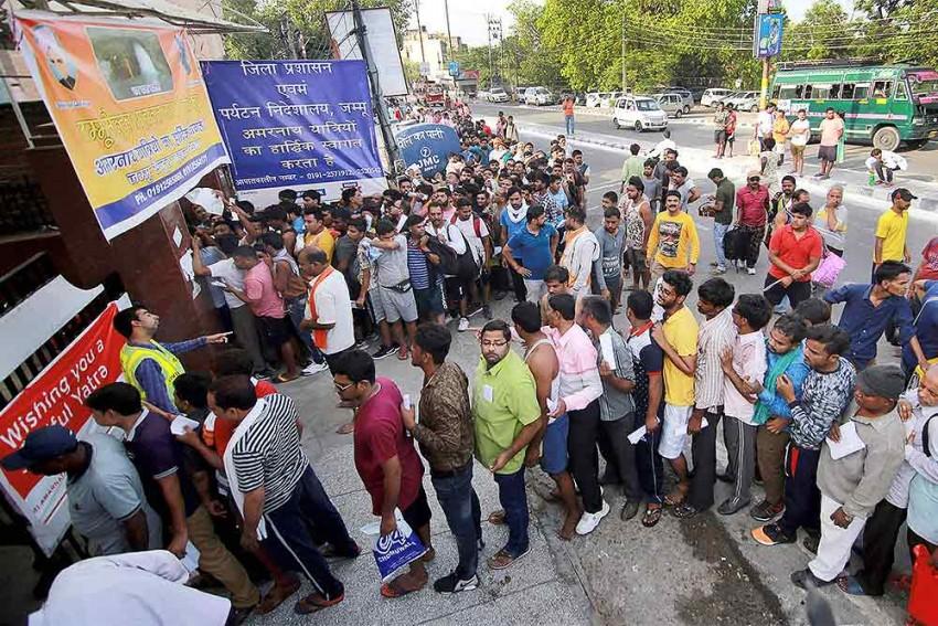 Amarnath Yatra: No Threat To Pilgrims, Some Channels Running Propaganda, Say Kashmiri Separatists