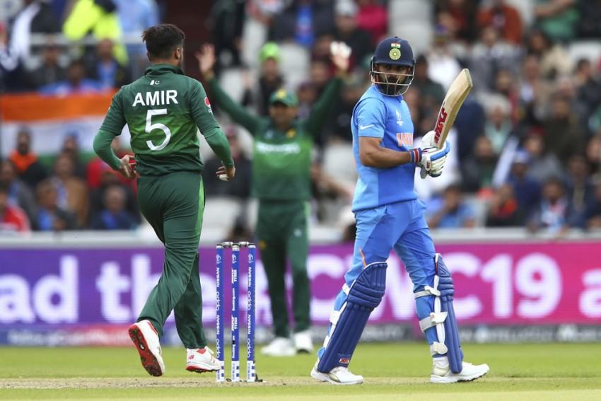 IND Vs PAK, ICC Cricket World Cup: 'Not Out' Virat Kohli's Walk Becomes Big Talking Point Of India-Pakistan Match