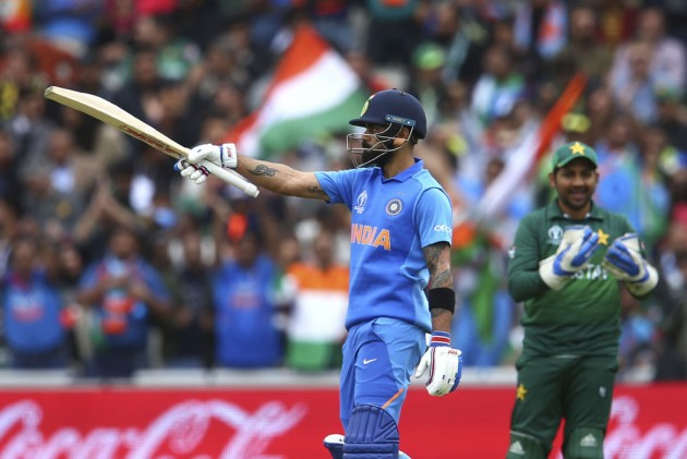 IND Vs PAK, ICC Cricket World Cup 2019: Fastest To 11000! Virat Kohli Breaks Sachin Tendulkar's Record By 54 Innings
