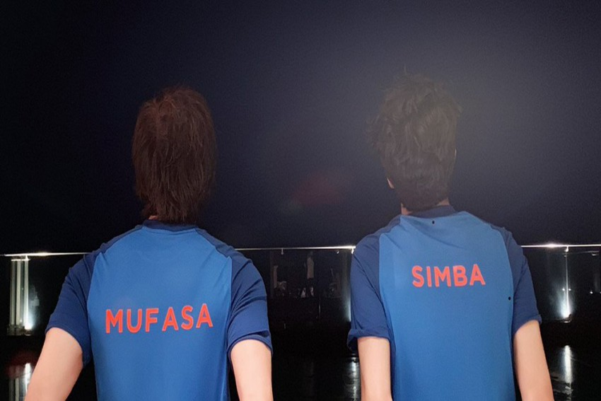 Cricket World Cup: SRK Cheers Team India Ahead Of Epic Clash Against Pakistan With Father's Day Photo