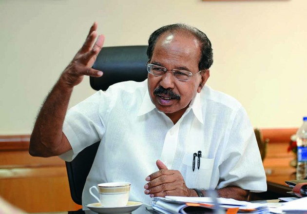 Quell Internal Bickering With 'Iron Hand' And No Mercy, Congress' Veerappa Moily Tells Rahul Gandhi