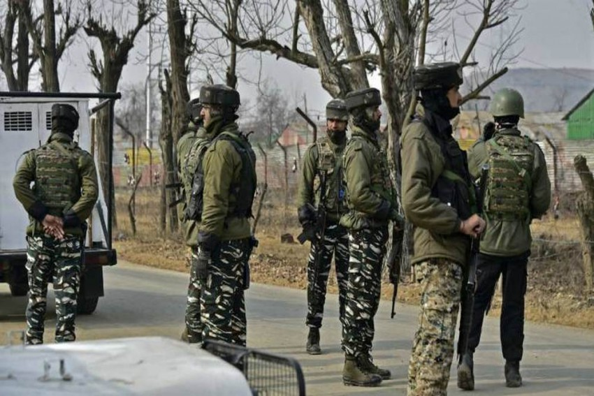Army Major Killed, Three Jawans Injured In Gunfight With Militants In Jammu And Kashmir's Anantnag