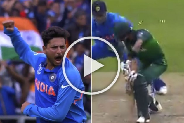 IND Vs PAK, ICC Cricket World Cup 2019: Kuldeep Yadav Makes His Mark With 'A Perfect Delivery' Against Pakistan – WATCH