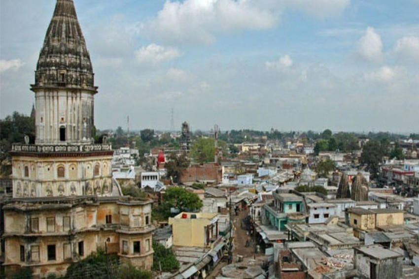 Four Get Life Term In  2005 Ayodhya Terror Attack Case