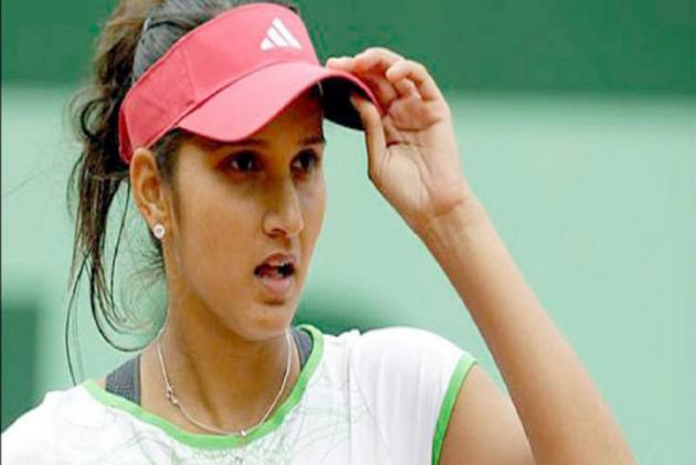 India Vs Pakistan: Sania Mirza Hits Back At Mohammad Asif's Ex-Girlfriend Veena Malik, Says, 'I Am No Dietitian'