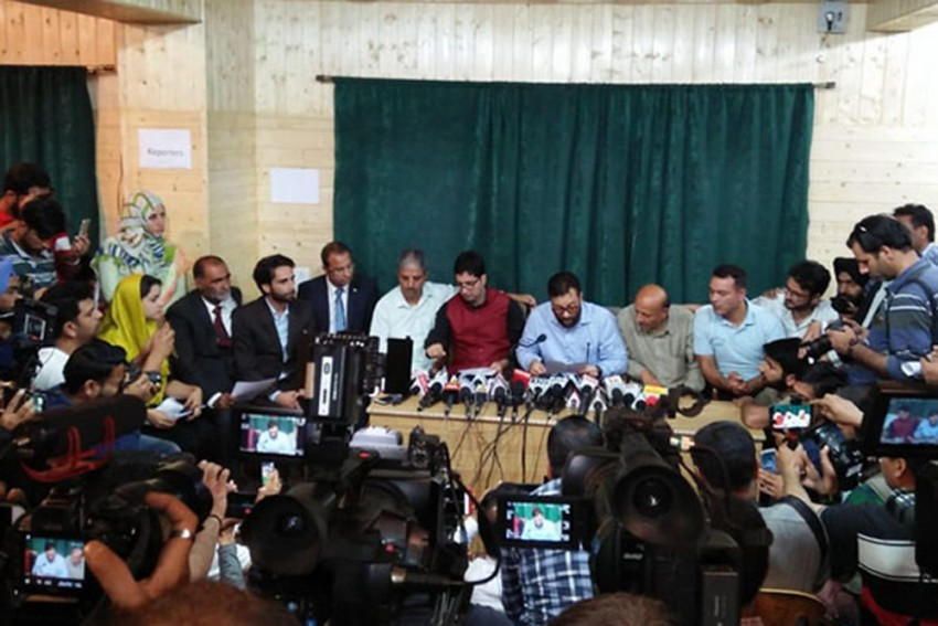 Shah Faesal, Engineer Rasheed Join Hands, Say They Will Form Next Govt In Jammu And Kashmir