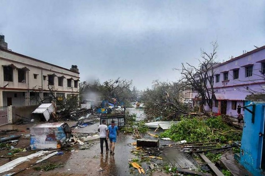 Month After Cyclone Fani, Over 48 Per Cent People Still Without Electricity In Puri