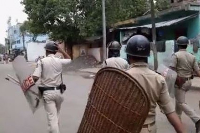 Section 144 Imposed In West Bengal's Bhatpara After Clashes Leave 1 Dead