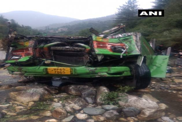 25 Dead, 35 Injured As Bus Falls In Drain In Himachal's Kullu