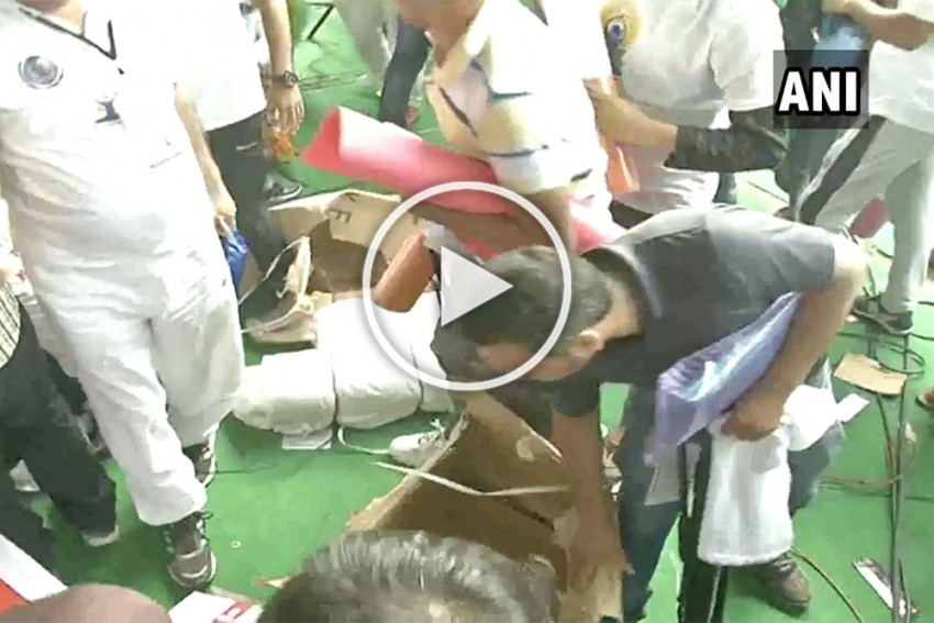 WATCH | People Loot Mats After Yoga Day Event In Haryana's Rohtak